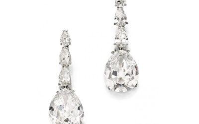 Paire de pendants d'oreille, ornés de diamants