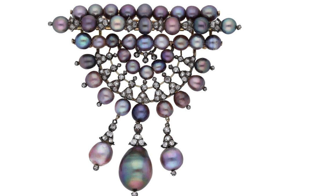 Devant de corsage de perles fines agrémentées de diamants